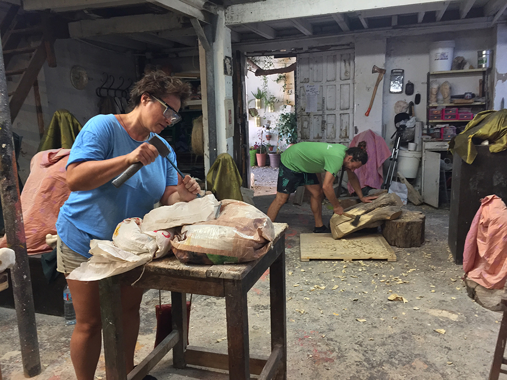 Cursos de modelado, anatomía artística, talla directa en piedra y madera